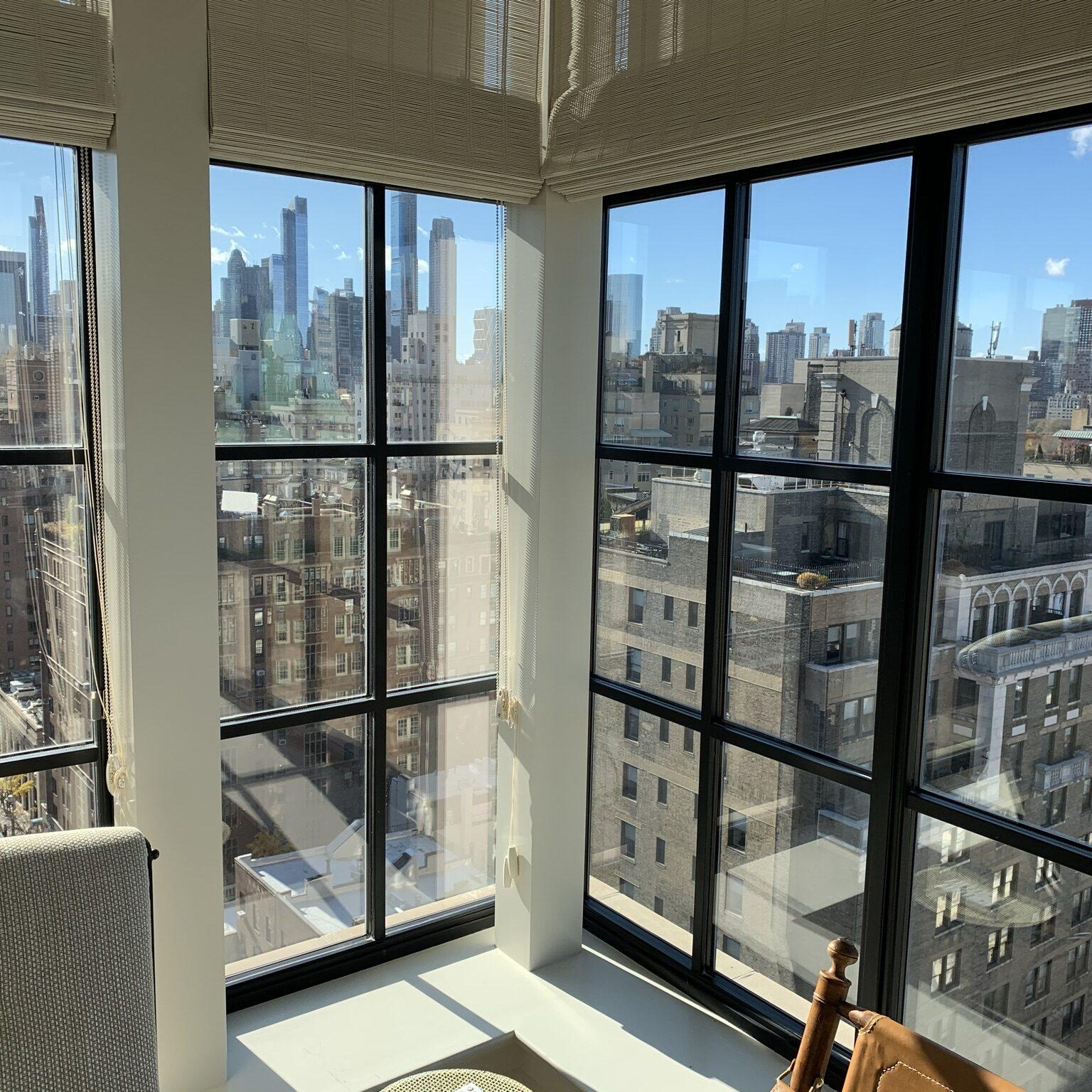 Breakfast-nook-high-above-Manhattan-square